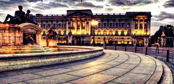 Buckingham-Palace-tuttacronaca