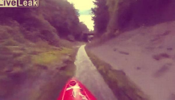 canoa-canale-di-scolo-tuttacronaca