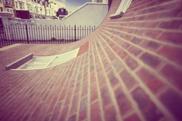 casa-facciata-scivola-tuttacronaca