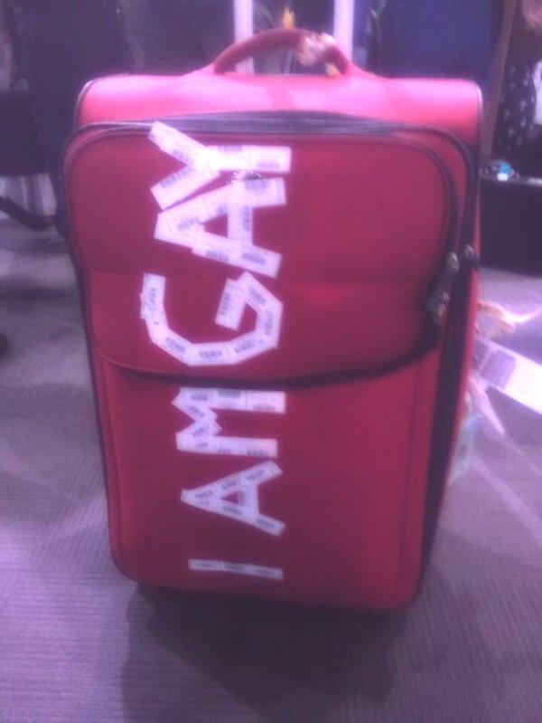 i'mgay-valigia-tuttacronaca