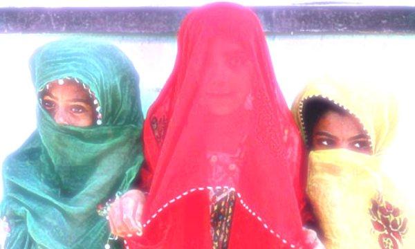 iran-bimbe-sposano-patrigno-tuttacronaca