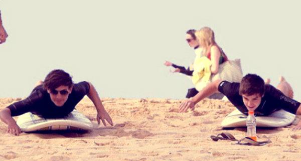 liam-payne-louis-tomlinson-one-direction-bondi-beach-tuttacronaca
