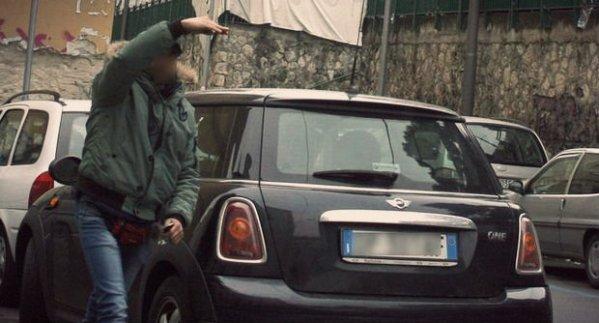 parcheggiatorea-abusivo-tuttacronaca