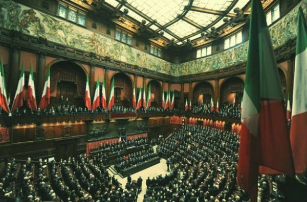 parlamentari-strapagati-tuttacronaca