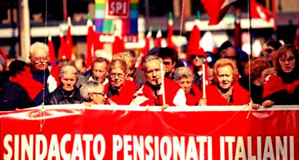 pensionati-piazza-tuttacronaca