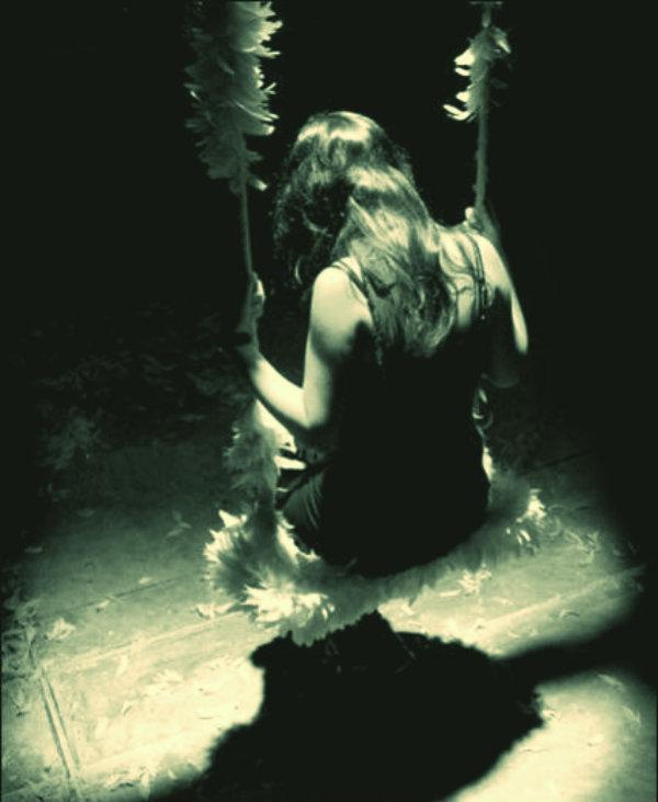 ragazza-tenta-suicidio-tuttacronaca