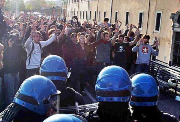 scontri-manifestazione-tuttacronaca