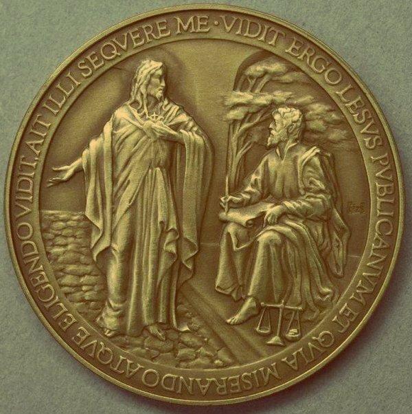 tuttacronaca_medaglia_commemorativa_primo_anno_pontificato_francesco_sbagliata
