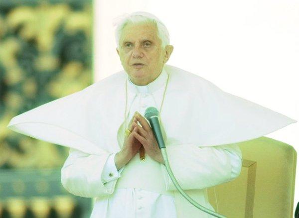 papa-ratzinger-tuttacronaca
