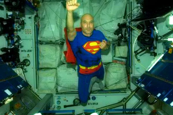 parmitano-superman-tuttacronaca