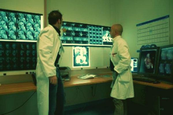 radiografia-uomo-42-anni-torino-tuttacronaca