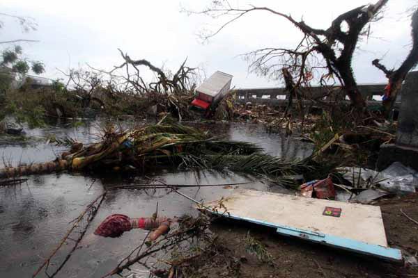 tifone-yolanda-tuttacronaca