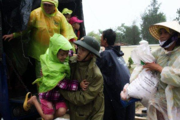 vietnam-tifone-tuttacronaca