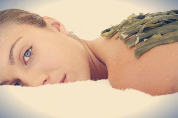 donna-alghe-tuttacronaca