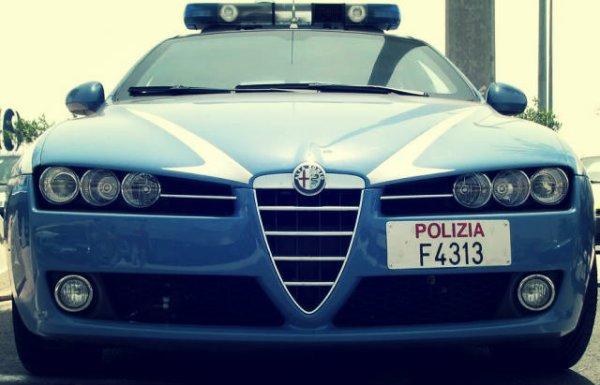 polizia-ancona-tuttacronaca