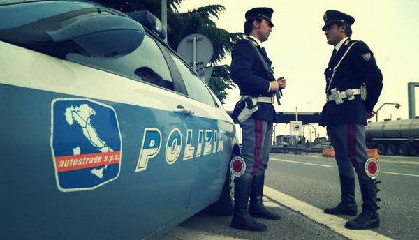poliziastradale-tuttacronaca