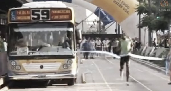 usain-bolt-bus-tuttacronaca