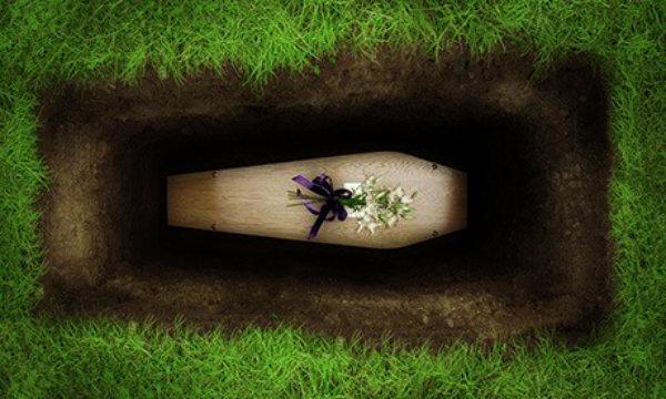 anziana-sacerdote-ponza-funerale-tuttacronaca