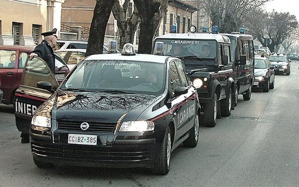 carabinieri-colonna-gazzelle-tuttacronaca