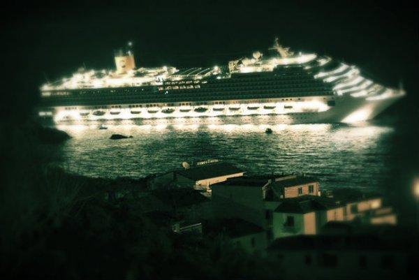 Costa-Concordia-naufragio_tuttacronaca