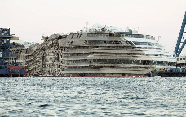 Costa-Concordia-Rotazione-tuttacronaca