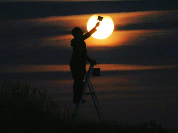 dipingere-la-luna-tuttacronaca