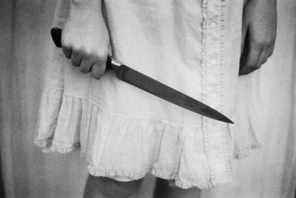 donna-coltello-tuttacronaca