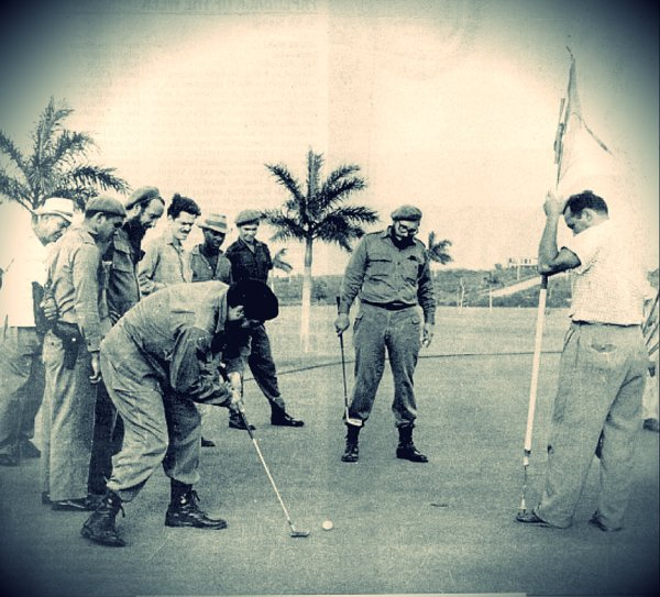 Fidel-Castro-e-Che-Guevara-giocano-a-golf-tuttacronaca