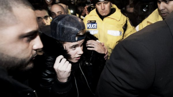 Justin-Bieber-limousine-autista-tribunale-tuttacronaca