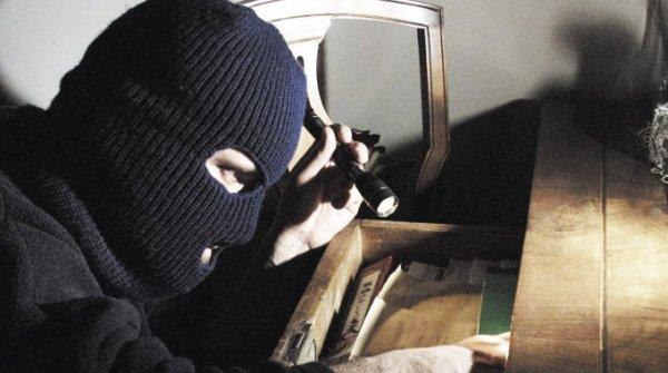 ladri-in-casa-tuttacronaca