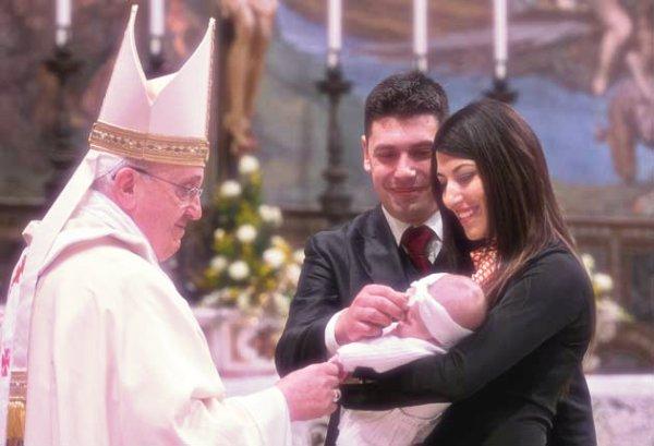 papa-battesimo-giulia-tuttacronaca