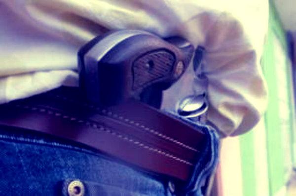 pistola- tasca-faccia-tuttacronaca