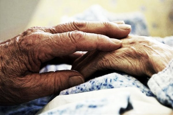 uccide-moglie-anziana-tuttacronaca