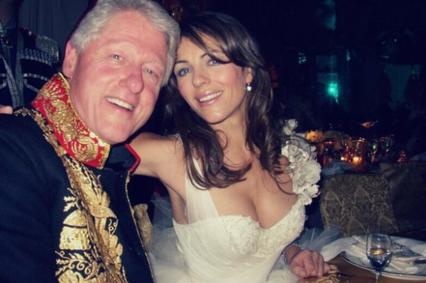 Bill-Clinton-and-Liz-Hurley-tuttacronaca