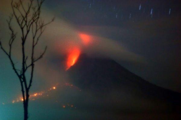 eruzione-sumatra-morti-Sinabung-tuttacronaca