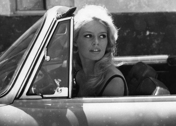 film-star-car-brigitte-bardot-tuttacronaca