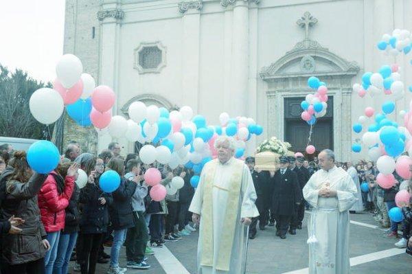 funerali-14enne-tuttacronaca