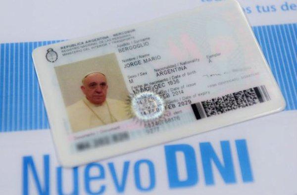 papa-carta-identità-tuttacronaca