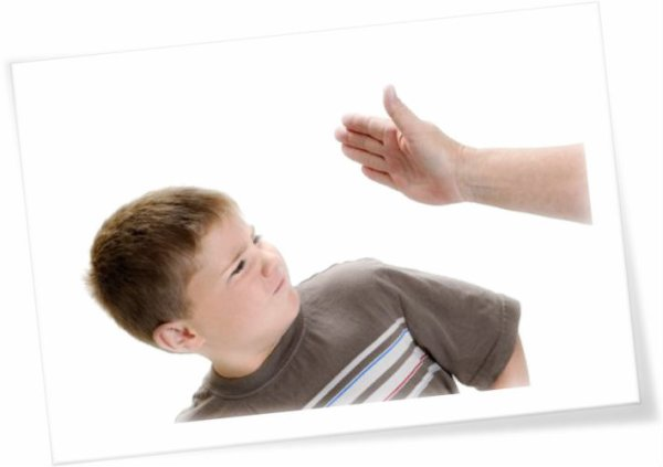 schiaffo al bambino-tuttacronaca