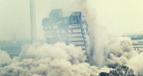 torre-francoforte-distrutta-tuttacronaca