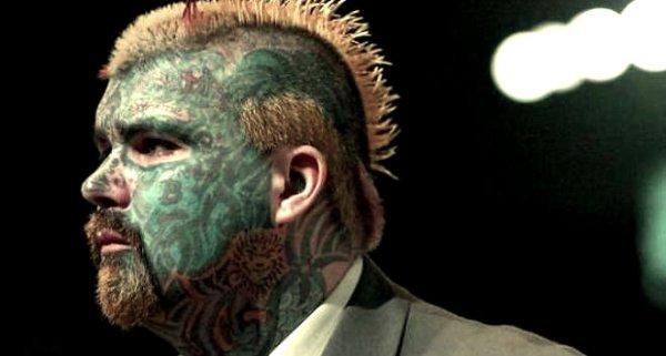 uomo_tatuato-tuttacronaca