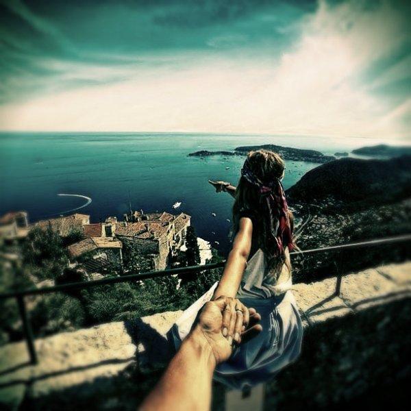 uscire-ragazza-viaggia