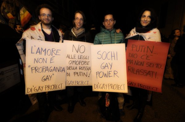Vladimir-Luxuria-protesta-roma-tuttacronaca